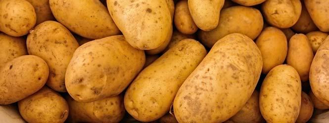 Segedínský guláš s bramborami