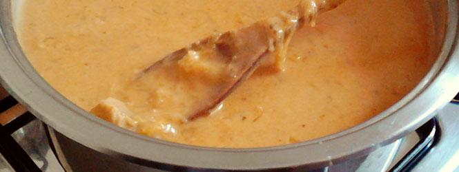 Segedínský guláš s uzeným špekem